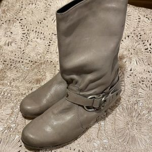 Hot Ice leather boots